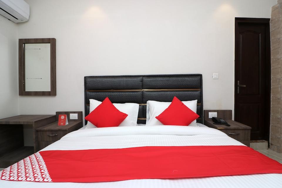 35527 Hotel Swagath Residency