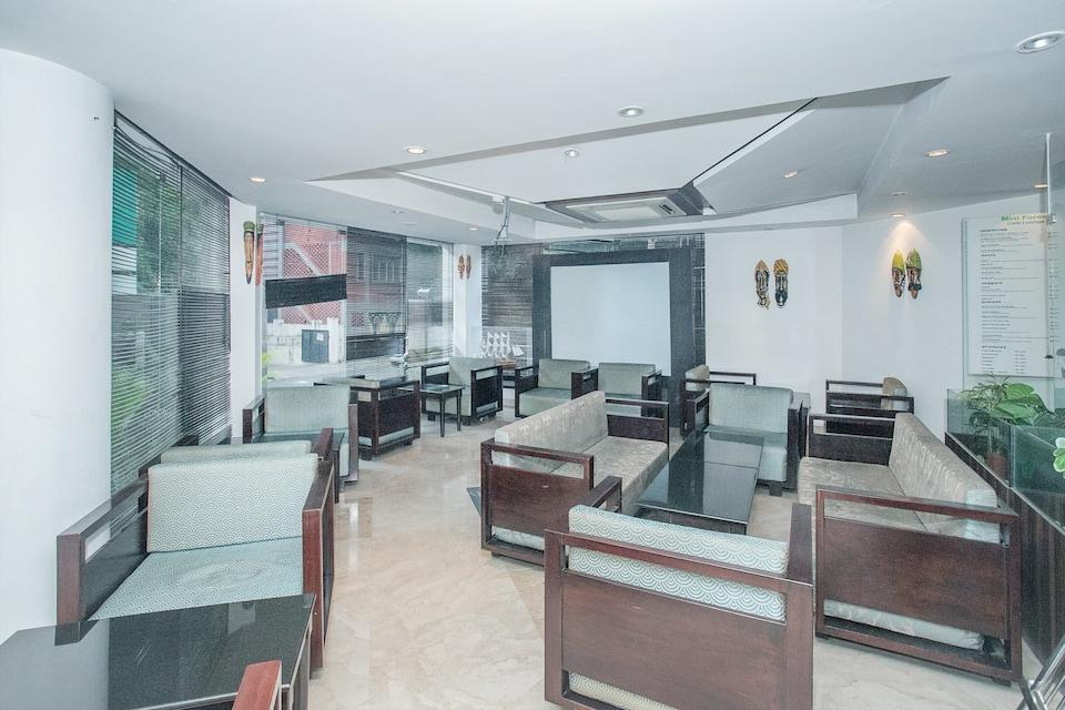 Capital O 36472 Hotel Raj Vista Suites