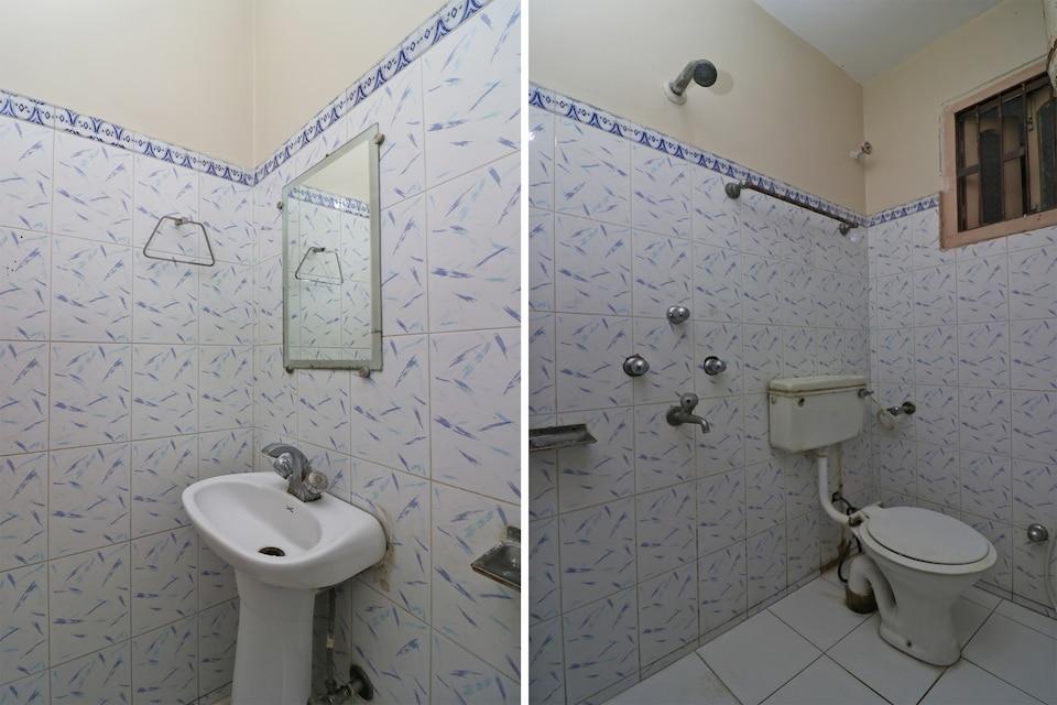 SPOT ON 37425 Hotel Ranjeet Residential