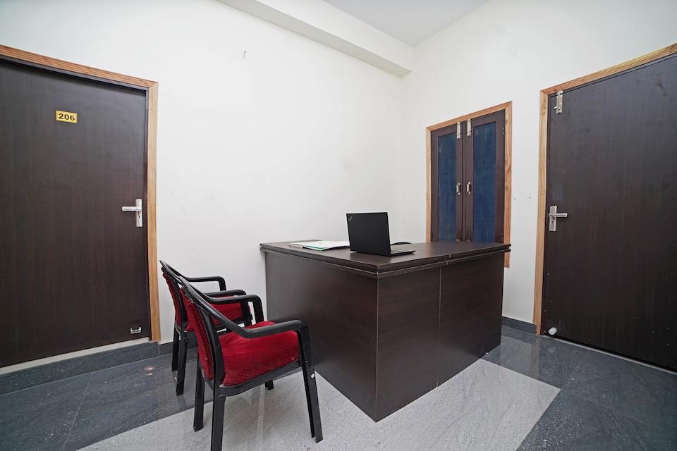 SPOT ON 37931 Hotel Sachin Inn
