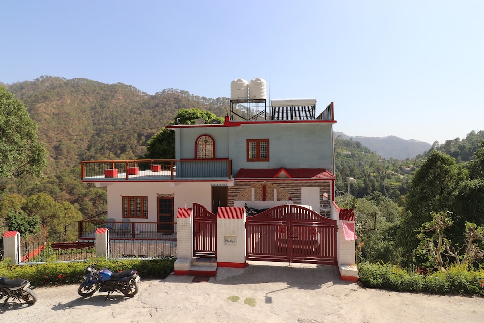 38755 Comfortable Stay Bhimtal