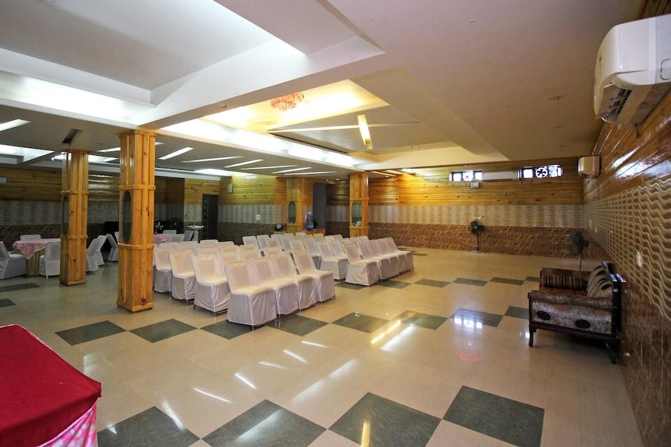 Yash Hotel
