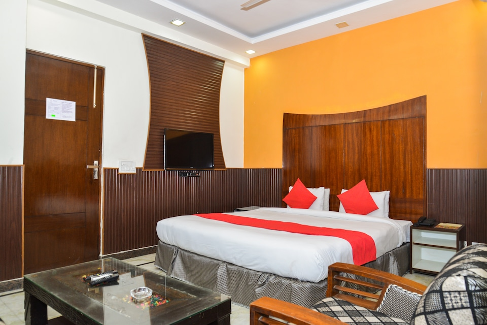 Hotel Jindal Palace