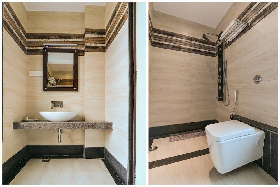 Capital O 4535 Hotel Uma Palace