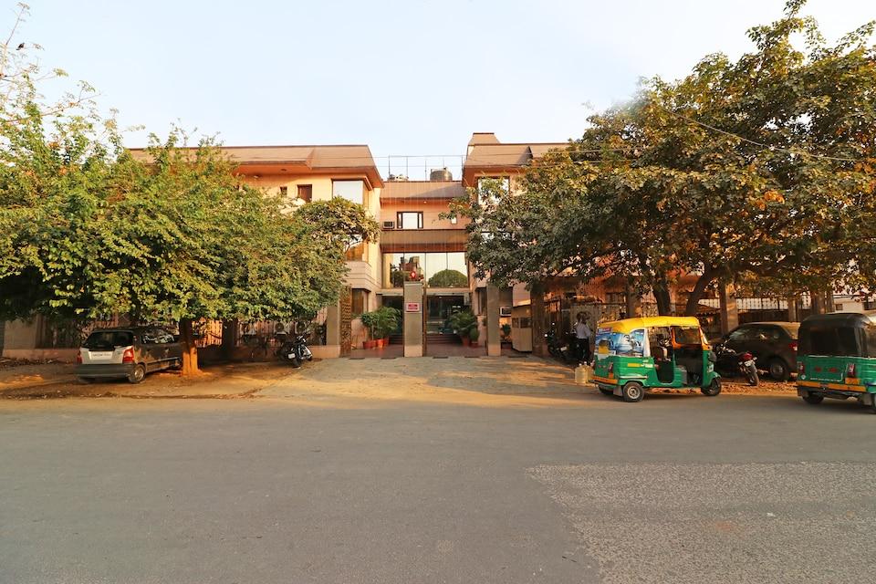 532 Sikanderpur Metro Station