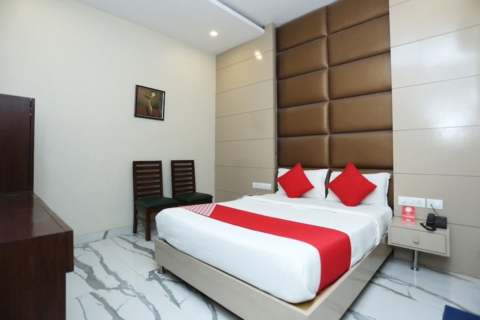 Hotel Rolex Inn